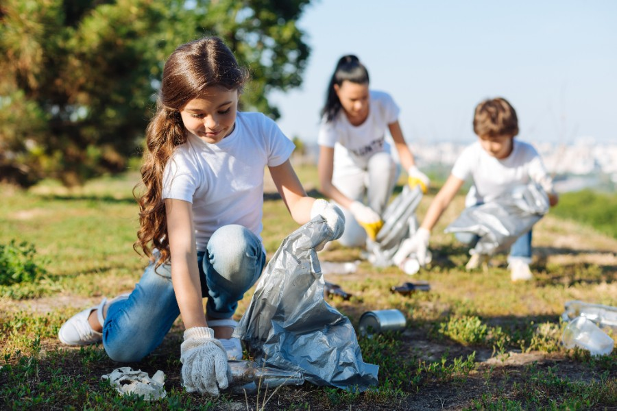 Teach Your Children To Be Eco-Friendly In 10 Easy Steps