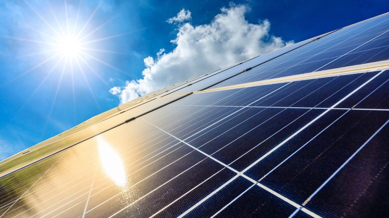 Should You Go Solar? Solar Power Pros and Cons