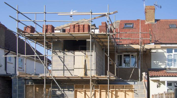Top Qualifications to Look for in an Eco-Friendly Contractor