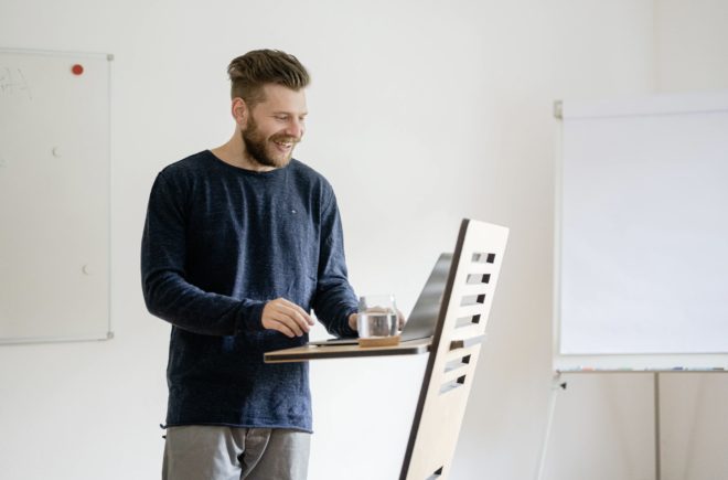 Standing Desk for Tall People and How the Online Desk Builder Works