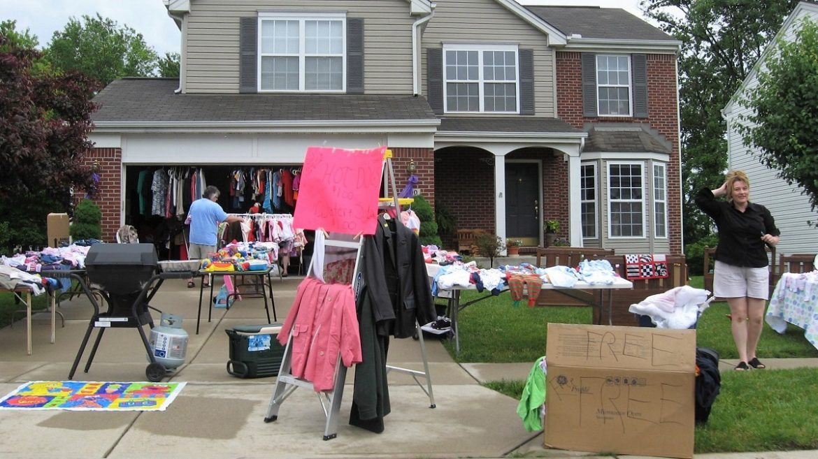 8 Great Strategies for Hitting Up Garage Sales