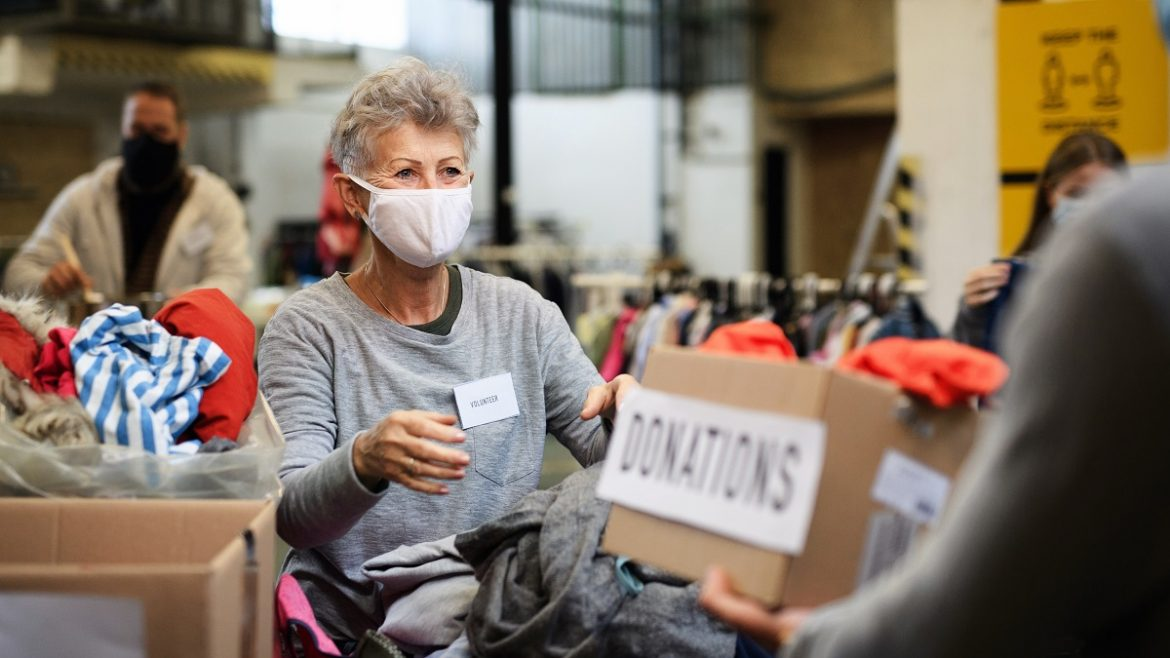 Maven Moment: Donating Clothes During COVID