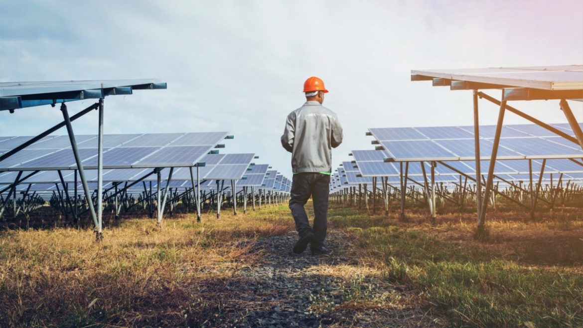 Solar Panel Recycling in the US: a Looming E-waste Concern